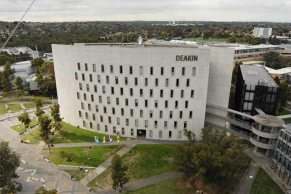 Study nursing at Deakin University