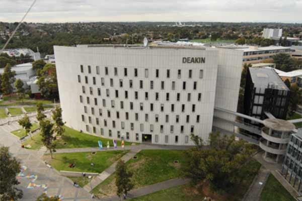 Study nursing at Deakin University