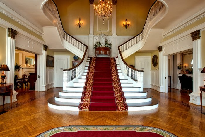 red-and-brown-floral-stair-carpet-161758
